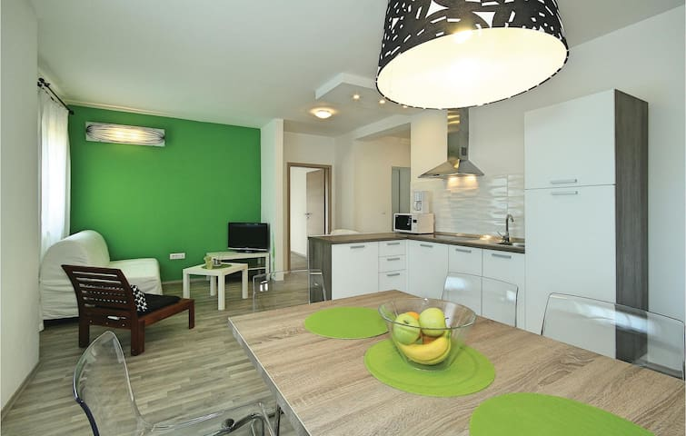 Holiday apartment with 2 bedrooms on 66m² in Umag