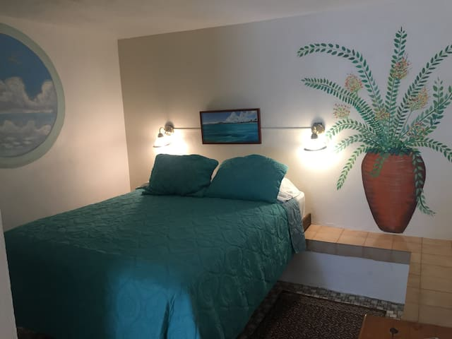 Trade Winds B&B in Esperanza, Room 8/Sleeps 2