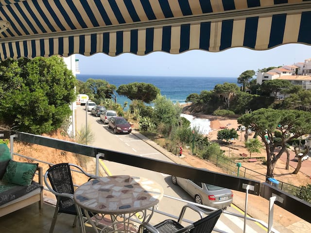 Airbnb Montagut Vacation Rentals Places To Stay
