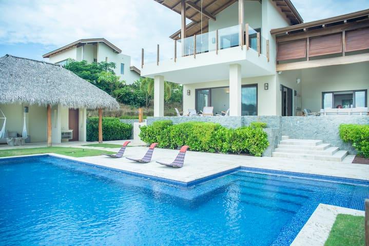 Villa*Beach Resort *Butler *HouseKeeping *BBQ&Pool