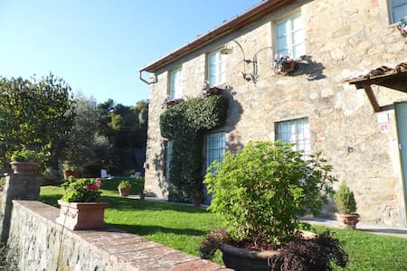 Villa Petrognano with private pool and garden - Petrognano