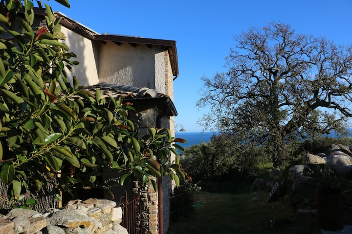 Casa in collina, vista spettacolare - Roccella Ionica