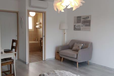 Chambre famille avec espace enfants séparé - Saint-Cyprien