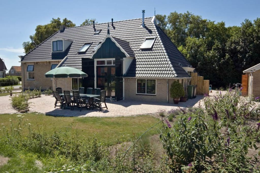 Waddeneiland terschelling studio sophietje huizen for Huizen te koop friesland