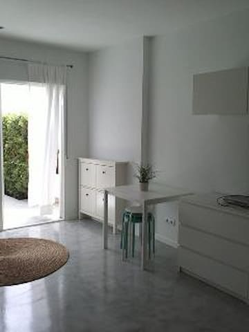 Nice and bright studio in Calahonda - Sitio de Calahonda - Leilighet