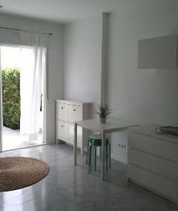 Nice and bright studio in Calahonda - Sitio de Calahonda