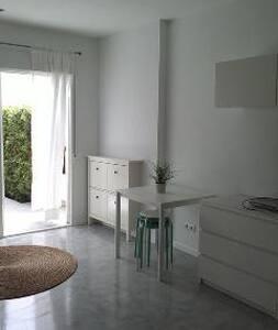 Nice and bright studio in Calahonda - Sitio de Calahonda - Wohnung