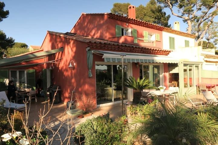 Belle villa 3 ch piscine clim vue mer terrasses