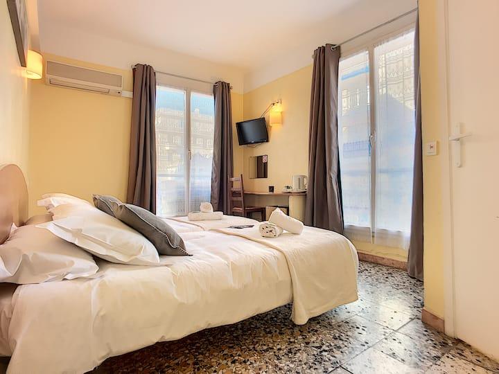 Chambre d'hôtel**  GolfeJuan/Plages/ Ports/Cannes