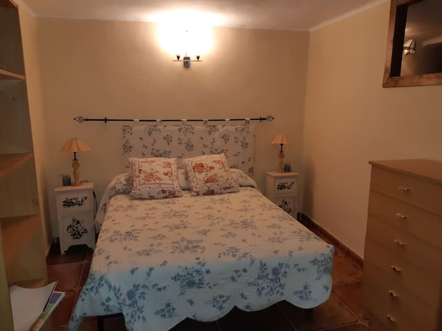 Ponferrada, habitación en entorno rural.