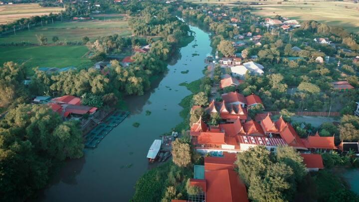 ไผ่ตาพุดโฮมสเตย์เรือนไทยริมแม่น้ำสุพรรณ