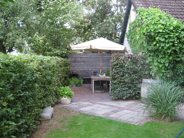 A beautiful private cottage - Sprundel - Bed & Breakfast