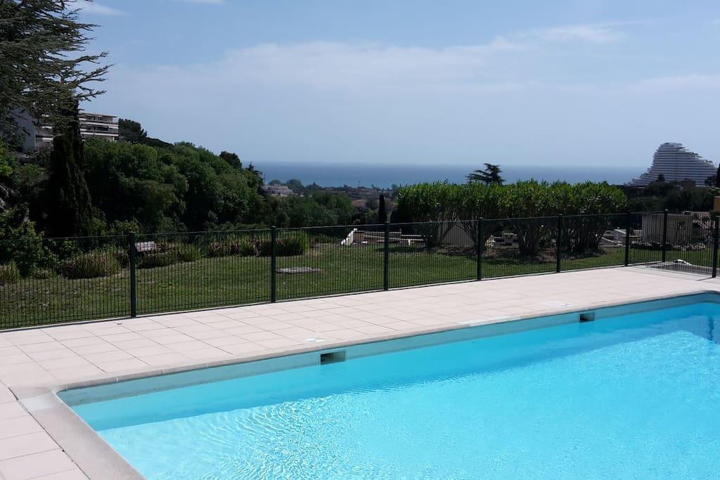 Logement entier vue mer piscine 6pers parking for Piscine villeneuve loubet
