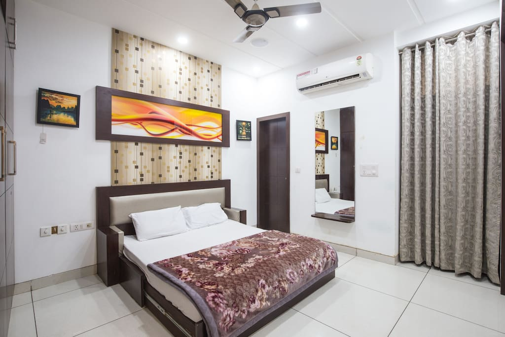 Home With Five Star Facilities Apartments For Rent In New Delhi Delhi India