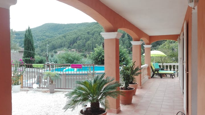 Villa Provençale dans le Var (Sollies-Toucas)
