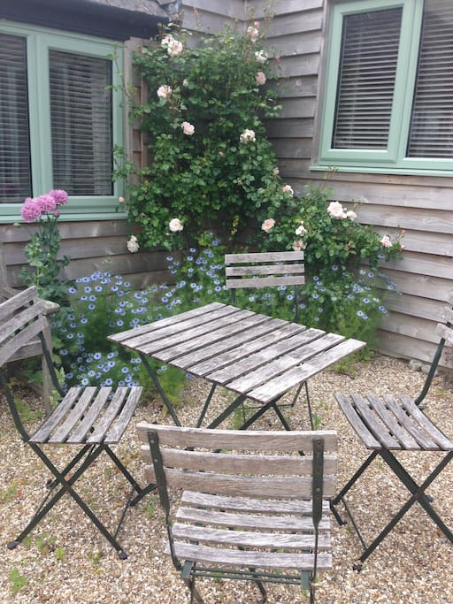 Pretty sitting area for a quiet cup of coffee or glass of wine