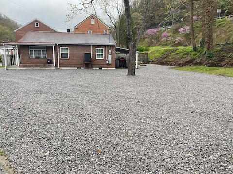 The Heartland Lodge
