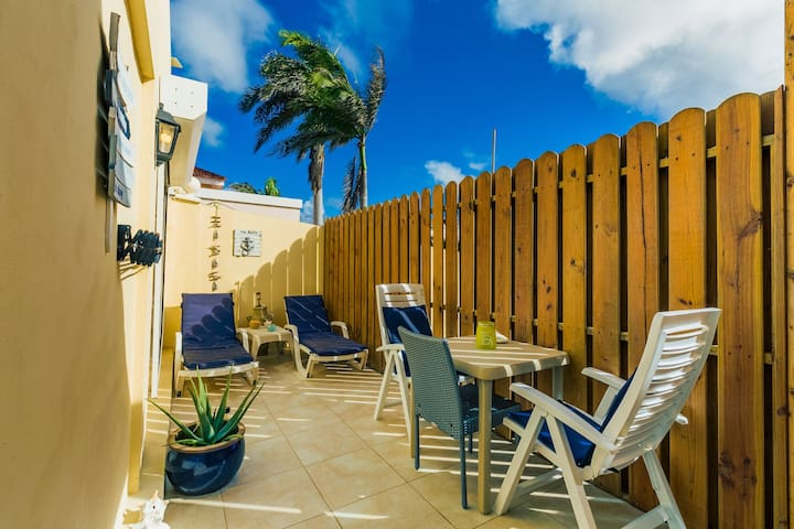 Tranquilo Private, Relaxing Apartment & Patio