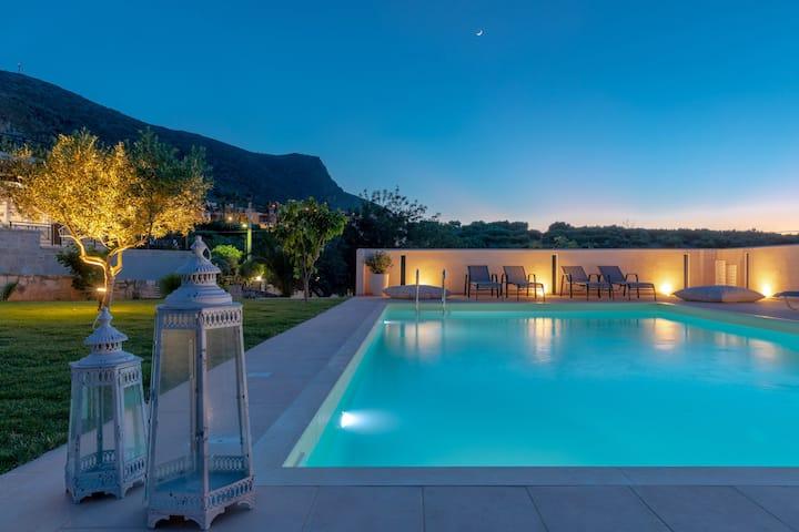 MANGIE Villa
