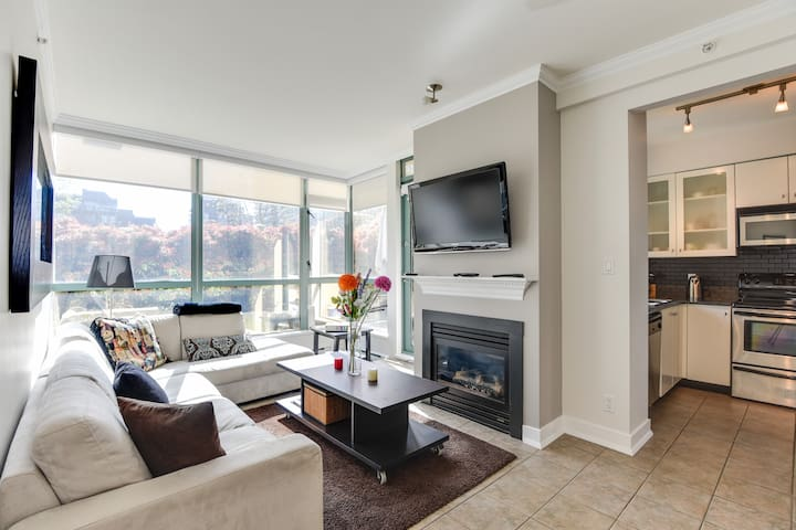 Cozy 1BR in the heart of Downtown