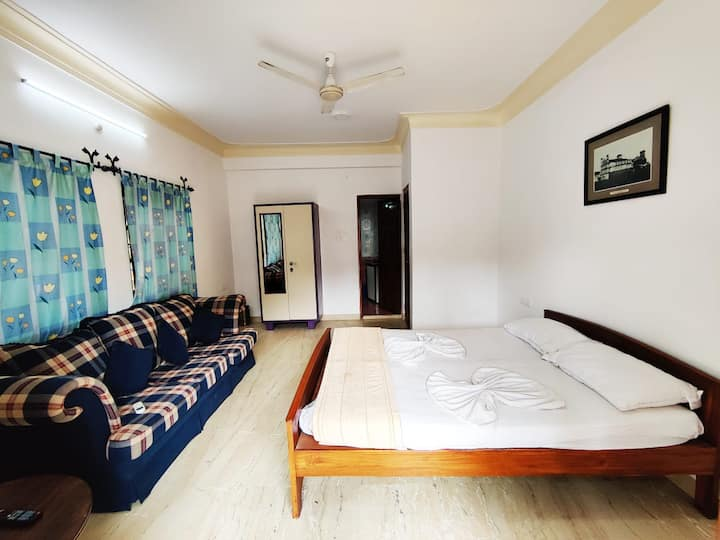 4 Bedroom Fortes Home at Calangute