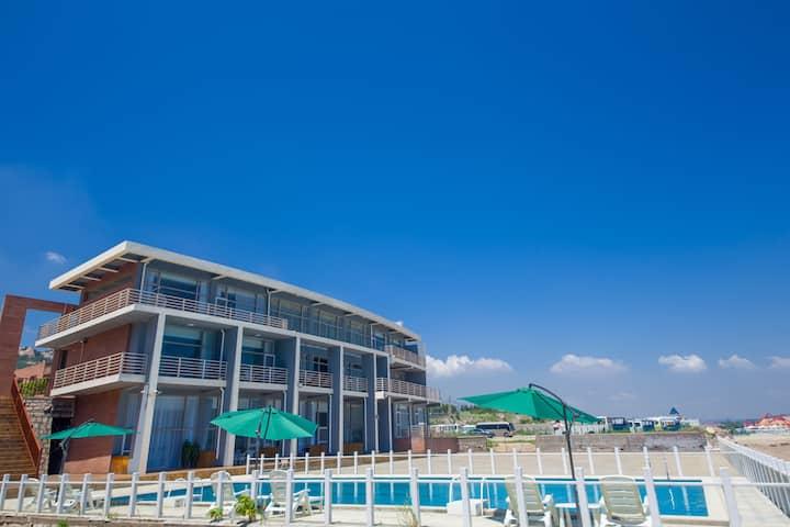青岛市崂山区仰口风景区海景日出房——瑞宿▪尊海杉海景酒店