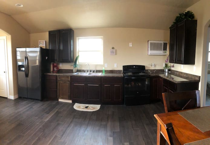 Guest House near Sea World and Lackland/