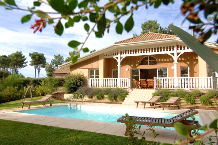 Villa 4 chbrs - 8 pers, piscine privée WIFI INCLUS