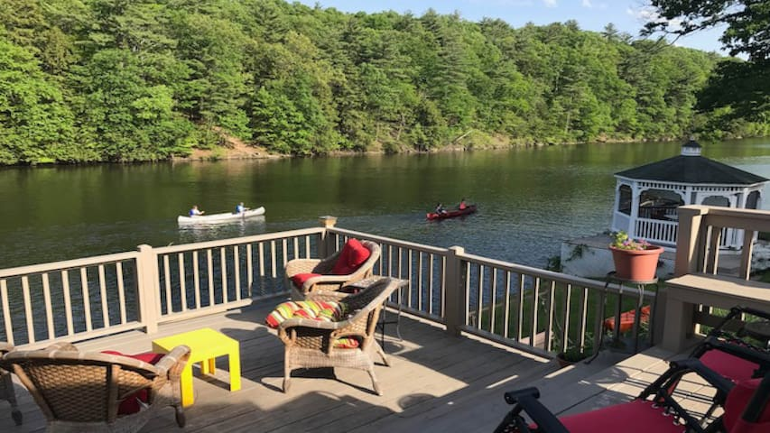 Dockside on the Esopus 3bed/2bth