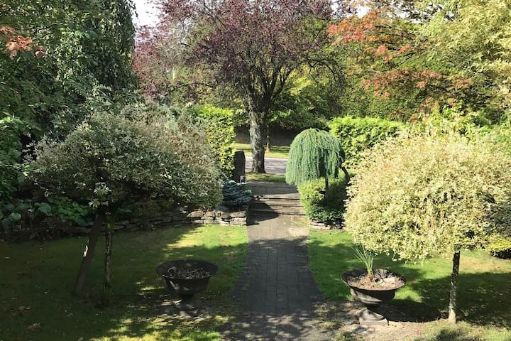 Cosy 2 BR suite in Shaughnessy