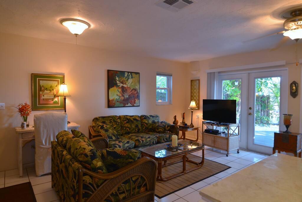 Full Size Living Area