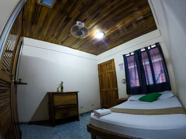 CENTRAL & SUPER COSY ROOM  AT COCOBOLO GUESTHOUSE