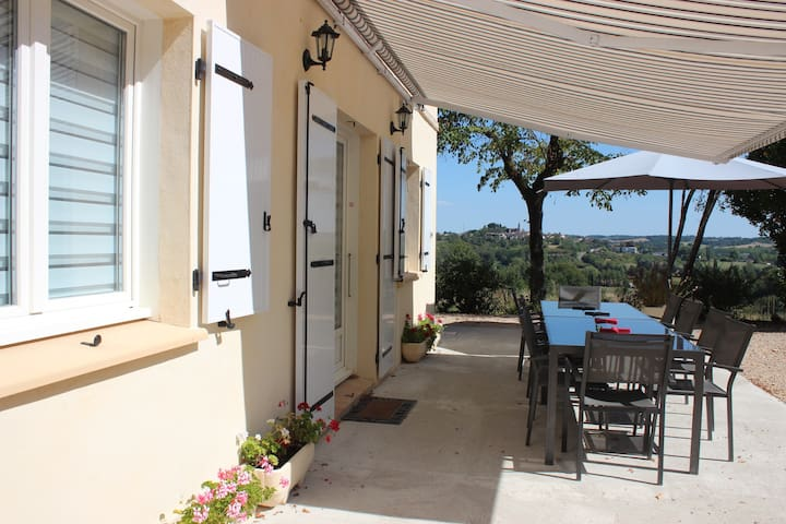 Gite 10 people. 3 stars panoramic view. - Monclar-de-Quercy - House