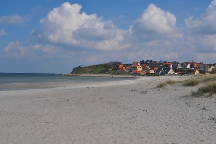 """""""By the Sea"""" / """"Am Meer"""" / """"Ved havet"""" - Hundested - Huoneisto"""
