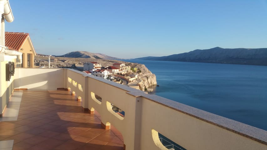 Beachfront apartment with amazing seaview - Zubovići