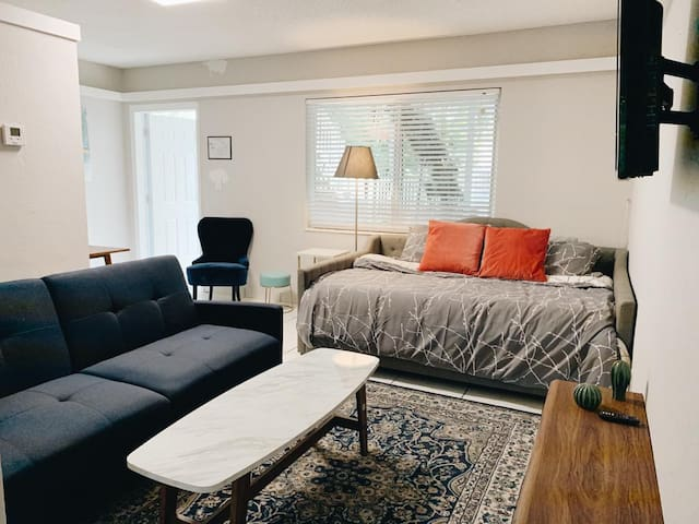 ★Cozy Studio★ Near the beach + Private Patio