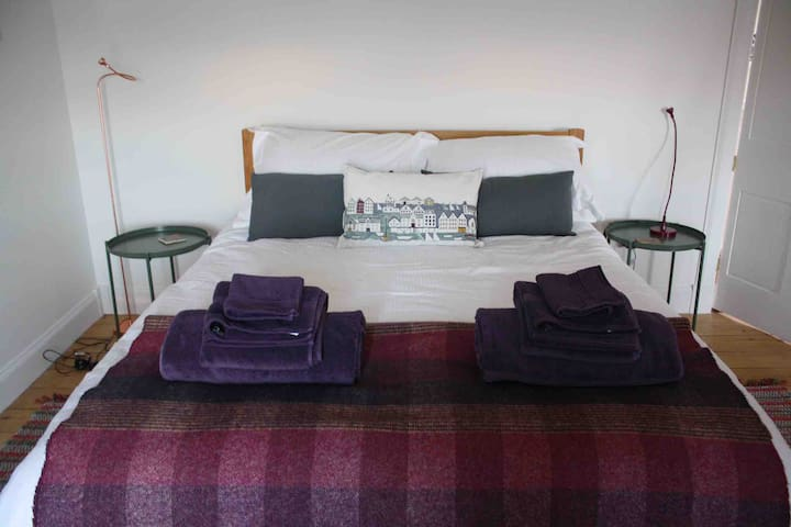 Ready for our guests - kingsize bedroom with views