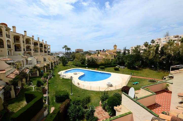 Apartment with pool, Riviera Del Sol, Mijas Costa