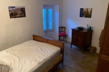 Chambre / Bedroom / Dormitorio / Zimmer