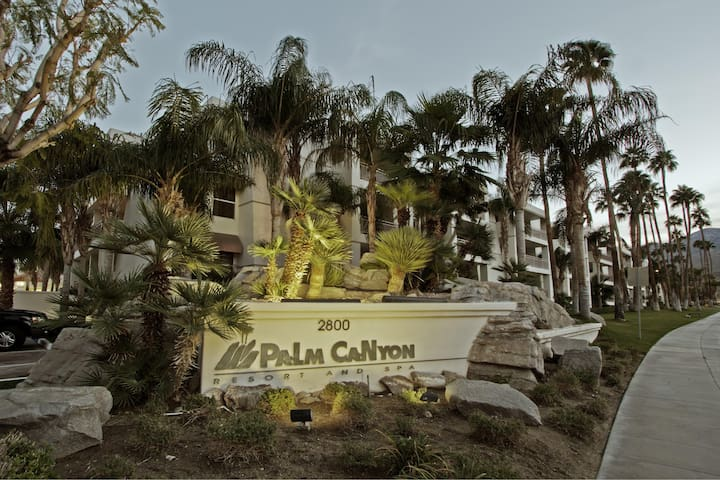 Palm Canyon Resort Exterior