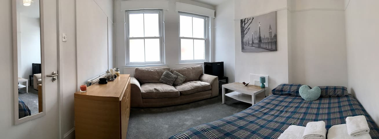 Huge double room Super close to central  London