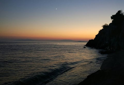 Apartment near Rocky Beach with Amazing Sunset