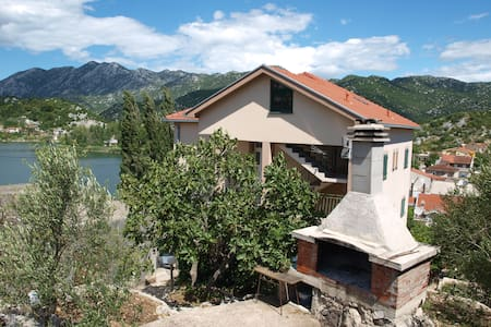 Apartment Luna Bacina Lakes - Ploče