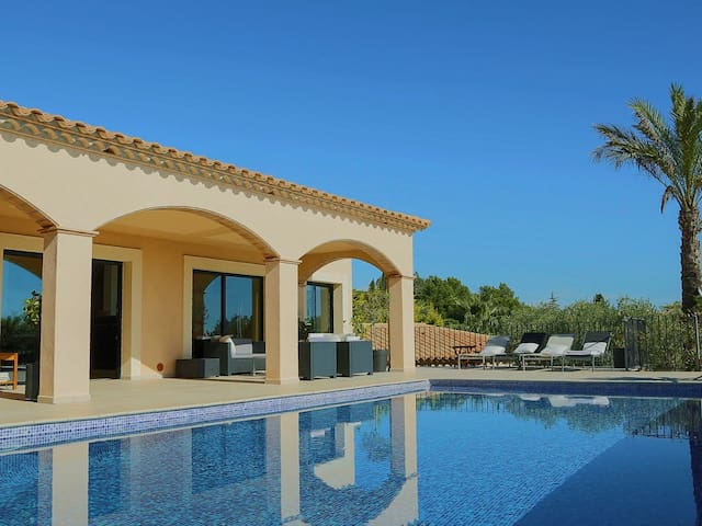 Villa Infinity with the most beautiful views over Platja d´Aro