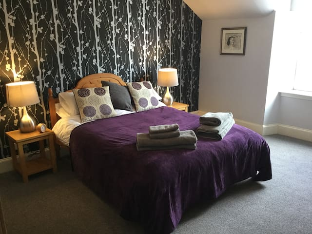 Cumlodden House, relax in comfort. Historic Crieff - Crieff - Appartement