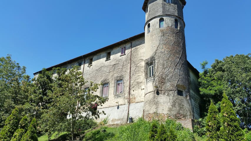 Sleep in a real midievel Italian Castle - Castiglione D'adda - Apartment