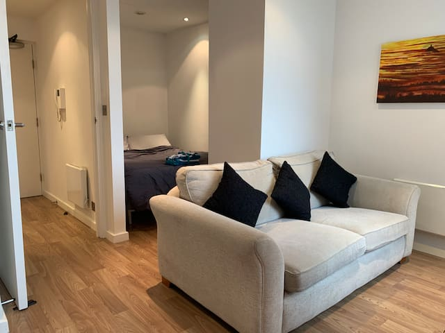 #StayHere 3 - Leeds City Centre Modern Smart Pad.
