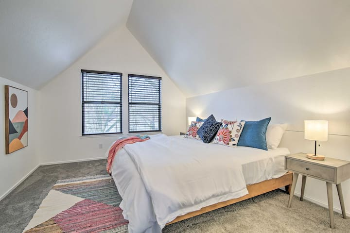 Spacious master bedroom with full closest.