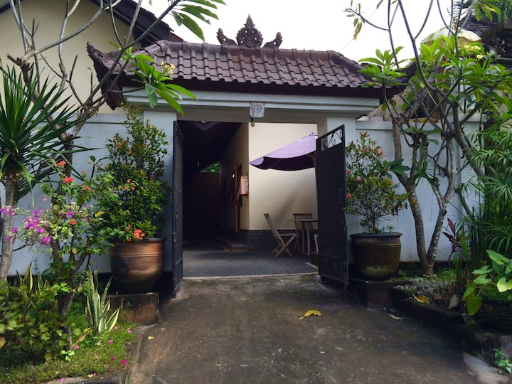 KopiSusu Guesthouse Ubud - Private room with fan 3