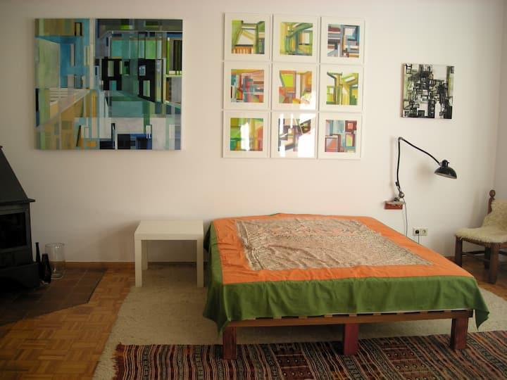 Zimmer in sympathischem Künstlerhaus